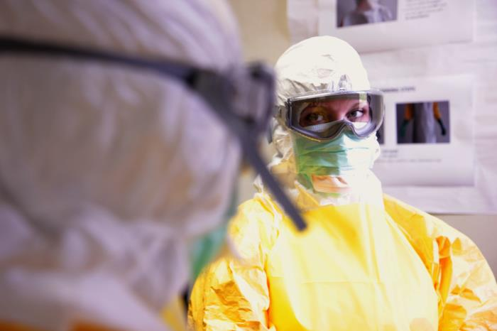 New study eases fears of airborne Ebola